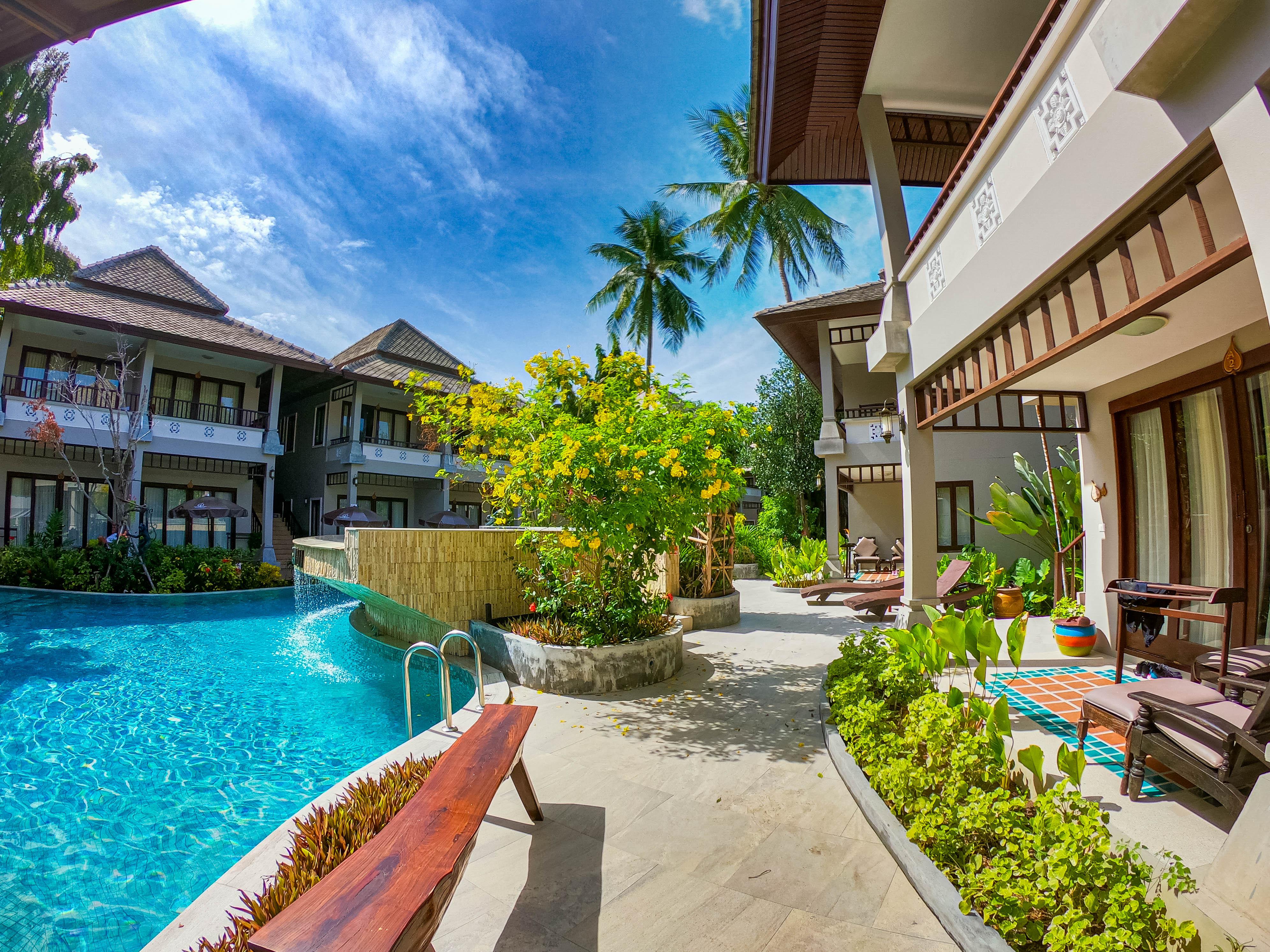 Chaweng Garden Beach Resort_Superior Triple Room Pool view